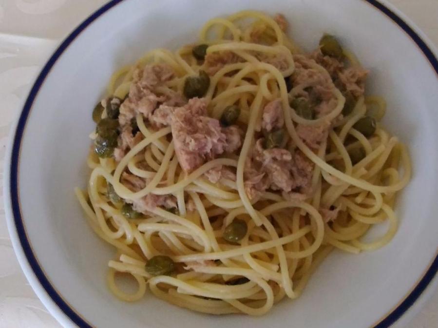 Spaghetti al tonno sott'olio in bianco – Spaghetti mettonijn